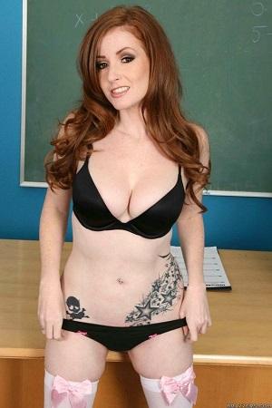 Nikki Rhodes actrice porno rousse milf