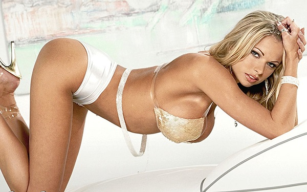 Briana Banks bombe sexuelle allemande cougar