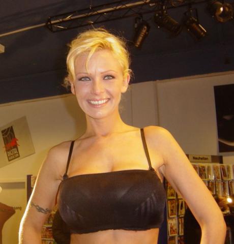 Vivian Schmitt actrice porno allemande milf