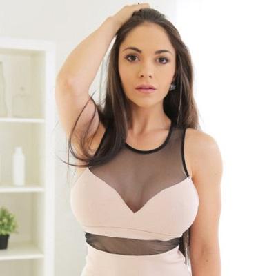 Alexandra Sivroskya actrice x espagnole